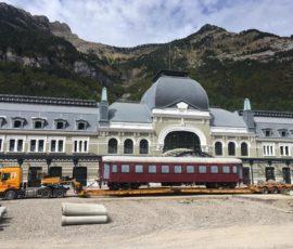 Movimiento de vagones en la Estación Internacional de Canfranc